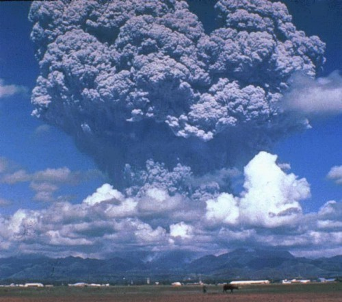 Mount Pinatubo eruption column