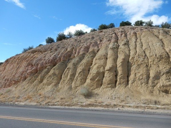 Contact between Mancos Formation and piedmont gravel