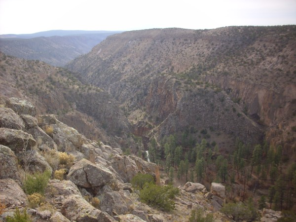 Contact between Cerros del Rio and Bandelier Tuff in lower Frijoles Canyon